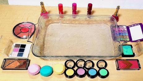 用化妆品给水晶泥着色,这样玩有点浪费但是很过瘾!