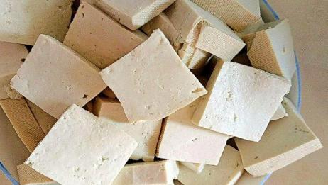 """豆腐加一宝,堪称""""天然泻药"""",常吃不再便秘,身体毒素全清除!"""