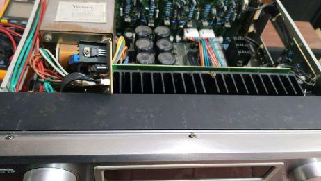 老式功放机电源板有问题,继电器触点接触不良
