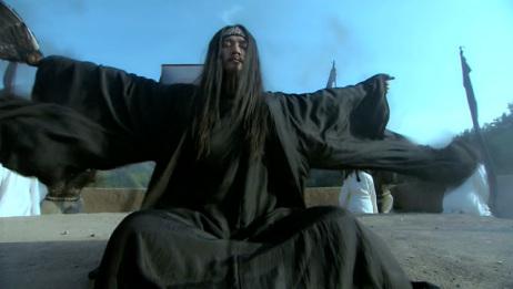 诸葛亮精通奇门遁甲,可以呼风唤雨,为周瑜借东风火烧赤壁