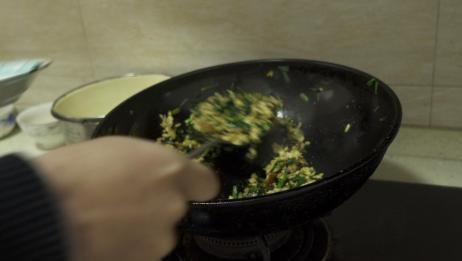 在家做一道家常菜韭菜炒鸡蛋